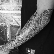 Max_Marstaller_Sleeve-Guns_N_Ink-Felix_Koch