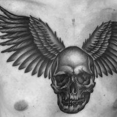 Basti_Pfob_Skull-Guns_N_Ink-Felix_Koch