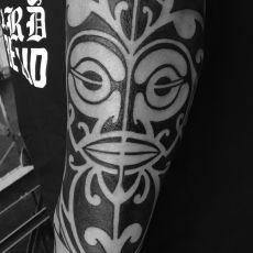 Gregor_Kobiena_Maori-Guns_N_Ink-Felix_Koch