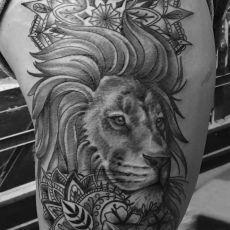 Kayla_Lion_Guns_N_Ink-Felix_Koch