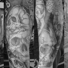 Clemens_Skulls-Guns_N_Ink-Felix_Koch