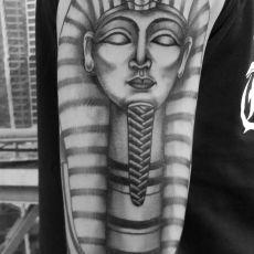 Max_Lang_Pharao_Guns-N-Ink_Felix_Koch