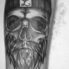 Matthias_Ludwig_Skull_GUNS.N.INK.Tattoo.Shop